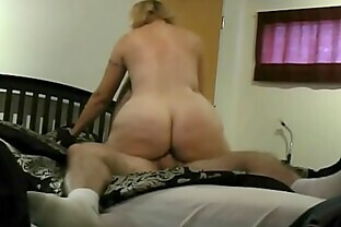 Big Butt Blonde Cougar Karmen45F from Naughty4You.com