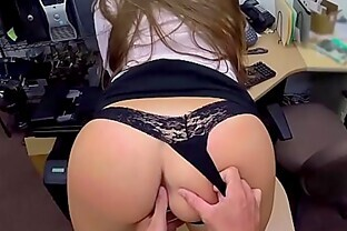 Amateur fuck in back room