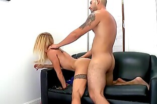 Amateur blonde Cameron Canada gets her first facial 2.6