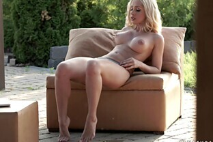 Squirting like a fountain while masturbating outside